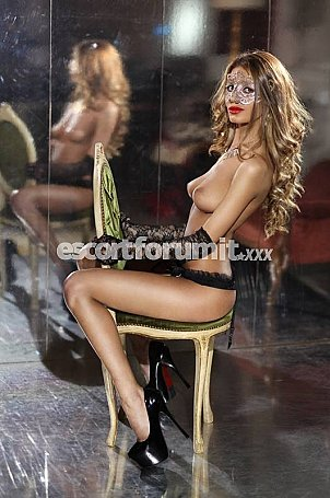 MIA Roma  escort girl